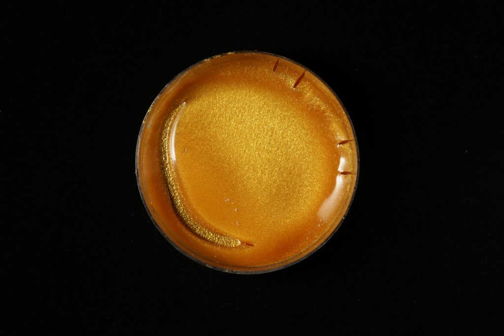pojidlo: Primal AC35 (Kremer), pigment: Miraval, Cosmic gold (Kremer)