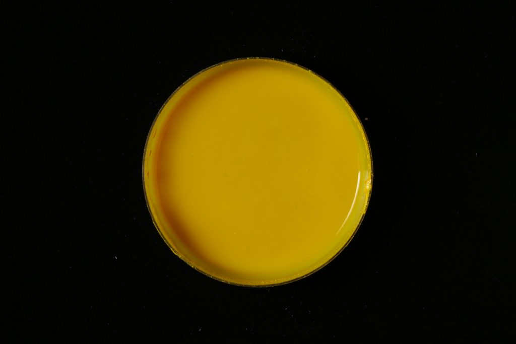 pojidlo: Dispersion 500D (Kremer), pigment: Lightchrome yellow (Iridon)